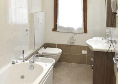 Bagno / Bathroom / Bad